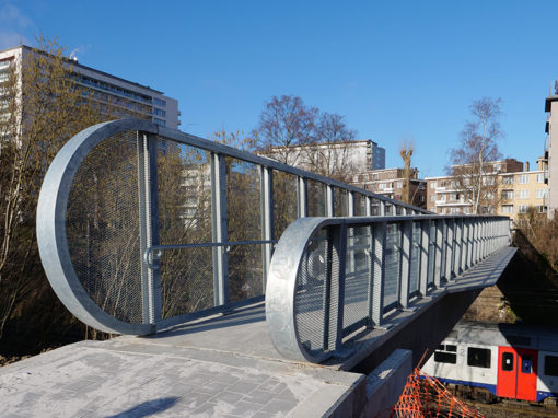 UHPC pedestrian bridge